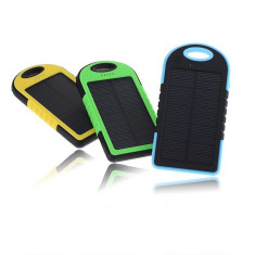Incarcator telefon, Solar - Incarcator Solar Universal Mare 5000 mAh cu Lanterna Rezistent la Socuri si Apa