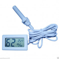 Termometru Auto - Termometru si higrometru digital cu fir, de culoare alb, cu sonda