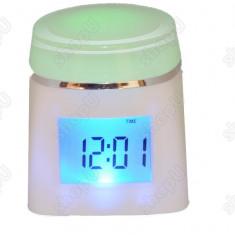Ceas cu proiectie - Ceas cub multicolor 809