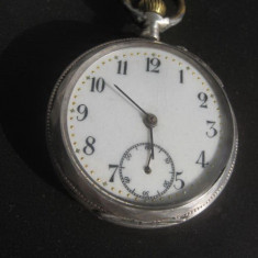 Ceas de buzunar - Ceas buzunar argint 800 gravat Cilindre Remontoire 10 rubis, functional.