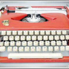 Masina de scris - MAȘINĂ DE SCRIS - MARCA ABC - FUNCȚIONALĂ, IDEALĂ PT. DECOR, MADE IN GERMANY!