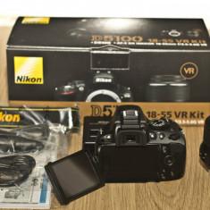 Aparat Foto Nikon D5100 + objectiv 18-55 mm, folosit numai de trei ori!