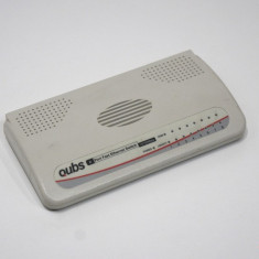 Switch Qubs 8 porturi 10/100 Mbps 20X08E