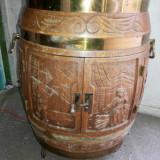 Butoi - bar, belgian, vechi, din lemn sculptat, suport 6 sticle, pe roti, bec interior