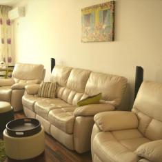 Set canapea si fotolii din piele naturala + 2 tabureti cadou