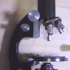 Microscop profesional Meopta nu e IOR este functional si are vreo 10