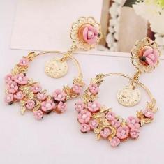 AC1084-5 Cercei lungi aurii, accesorizati cu floricele roz