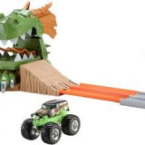 Jucarie Hot Wheels Monster Jam Dragon Arena Attack Playset