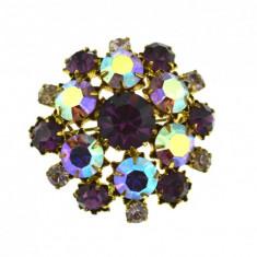 Brosa vintage, decorata cristale Bohemia Purple Borealis, postbelica, anii 1950