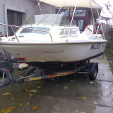 Vind sau schimb barca cu moto si peridoc