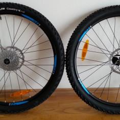 Piese Biciclete - Roti complete MTB 26 inch (cu discuri frana, cauciucuri si caseta 9 pinioane)
