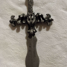 Medalion Sabie Palos cu cap Dragon executat manual in relief vintage Vechi masiv