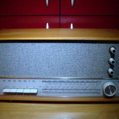 Aparat radio - Radio pe lampi Grundig 3010H