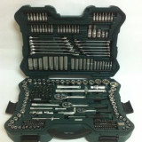 Trusa Scule Profesionala MAMMUT 215 piese - MANNESMANN - M98430