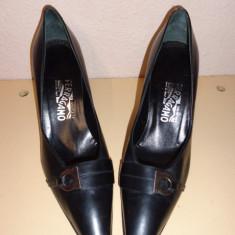 Pantofi negri piele Salvatore Ferragamo - Pantof dama Salvatore Ferragamo, Marime: 38, Culoare: Din imagine, Piele naturala