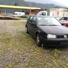 Golf 4 - Autoturism Volkswagen, An Fabricatie: 2001, Benzina, 180000 km, 1400 cmc