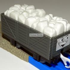 TOMY - Thomas and Friends - TrackMaster - Vagon gri incarcat cu sare - Trenulet de jucarie Tomy, Plastic, Unisex