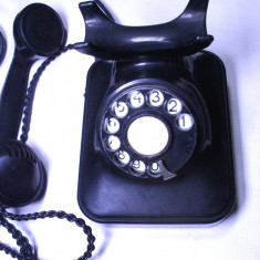 Telefon fix - Telefon vechi bachelita cu disc romanesc ani 50 model Vestitorul patent Siemens