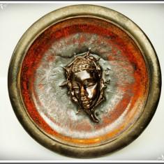 FARFURIE VECHE DE PERETE DIN CERAMICĂ SMĂLȚUITĂ, ARTĂ AFRICANĂ, CHIP DE NEGRESĂ! - Arta din Africa