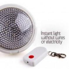 Bec / LED - Bec dotat cu telecomanda Remote Brite Light