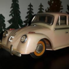 Lot 2 masini masinute plastic VW si Skoda vechi de colectie - Jucarie de colectie