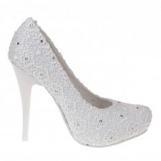Rochie de mireasa sirena - Pantofi de mireasa cu dantela Talia