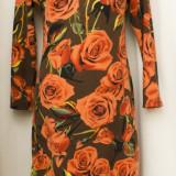 Rochie model trandafiri, marimea M/L, noua