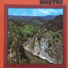 Colectia Muntii Nostrii - IEZER - Ion Ionescu-Dunareanu - Hobby Ghid de calatorie