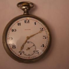 Ceas de buzunar - CEAS VECHI DE BUZUNAR -SWISS MADE-MARCA ZENITH-D=5, 5CM-FUNCTIONEAZA BINE.