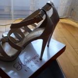 Sandale dama - Sandale model unicat, piele lacuita, culoare nude, marimea 38