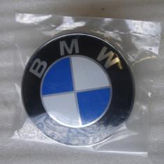 EMBLEMA CAPOTA LOGO BMW 82MM, 74MM PORTBAGAJ COMPATIBIL E36 E46 E39 E38 E90 E60 - Embleme auto
