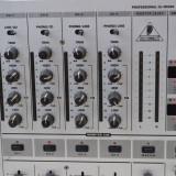 Mixer Behringer DJX 700 cu efecte - Mixere DJ