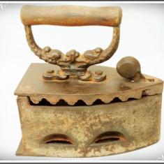 FIER DE CĂLCAT VECHI, MODEL CU CAPETE DE DRAGON, CĂLCĂTOR DIN FONTĂ - 2, 7 KG! - Metal/Fonta, Scule si unelte