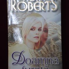Roman dragoste - Nora Roberts - Doamna furata - 569107