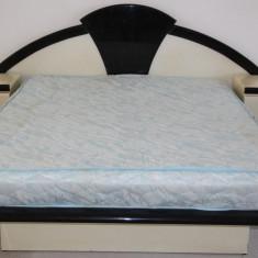 Set Pat dublu de centru cu saltea 150X200 cm si 2 noptiere - Pat dormitor, Pat de mijloc