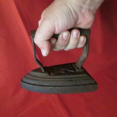 Fier de calcat vechi cu carbuni, fier de calcat cu jar, ticlazau - Metal/Fonta
