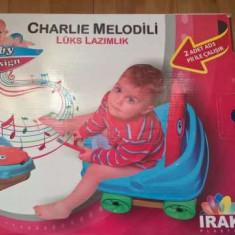 Olita muzicala forma de masinuta pentru baieti