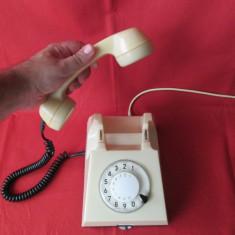 Telefon cu disc comunist, telefon vechi din Epoca de aur
