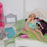 Dormitor pt Barbie cu accesorii