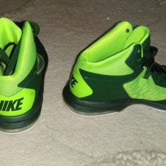 NIKE AIR MAX BODY U TB marimea 38 - Adidasi dama Nike, Marime: 38 2/3, Culoare: Verde