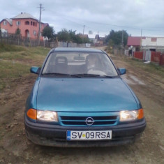 Opel Astra - Autoturism Opel, An Fabricatie: 1992, Benzina, 170000 km, 1800 cmc