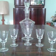Sticla cu pahare de cristal pentru tarie